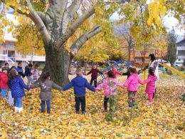 II гр. Усмивка Довиждане златна есен 2017 - ДГ Щастливо детство - Твърдица