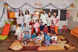 Дядо Коледа във II яслена група 2017 - ДГ Щастливо детство - Твърдица