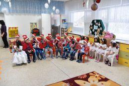 Дядо Коледа във II група 2017 - ДГ Щастливо детство - Твърдица